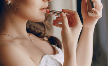 Best Long Lasting Lipstick For Wedding Day